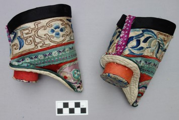 Pair of Shanxi-Jin style lotus shoes from northern China (20th century; TRC 2010.0351a-b).