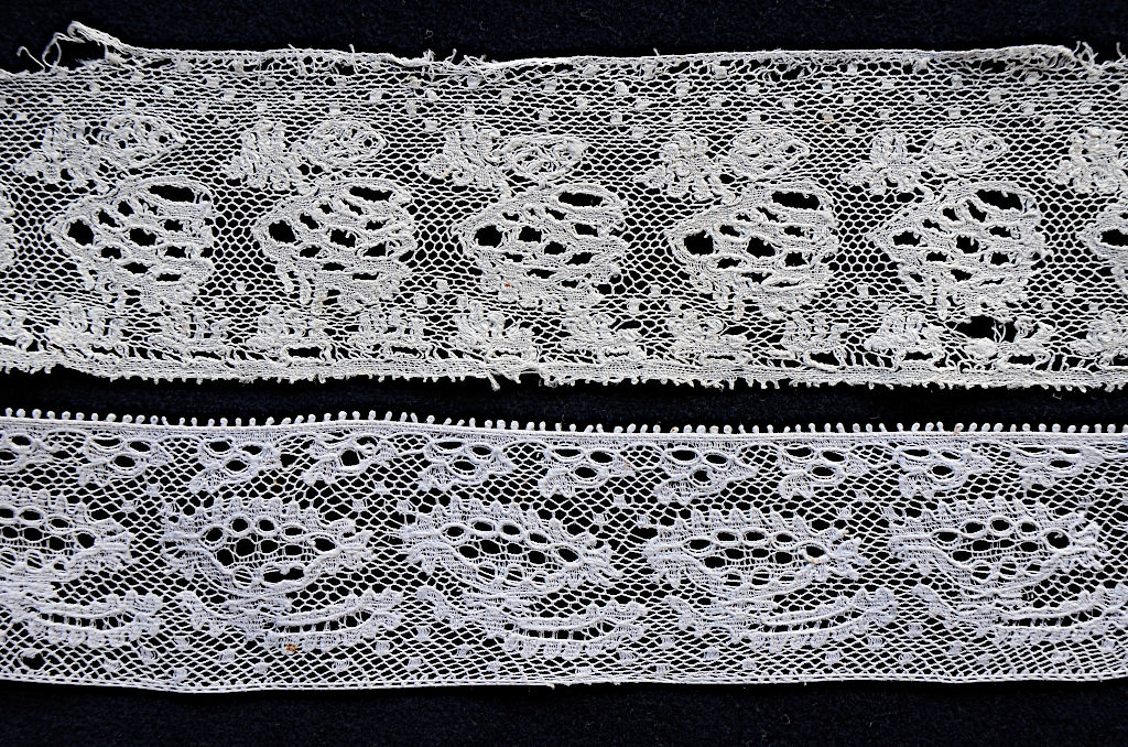 Two lace bands. Top: TRC 2018.3173, bottom: TRC 2014.0921