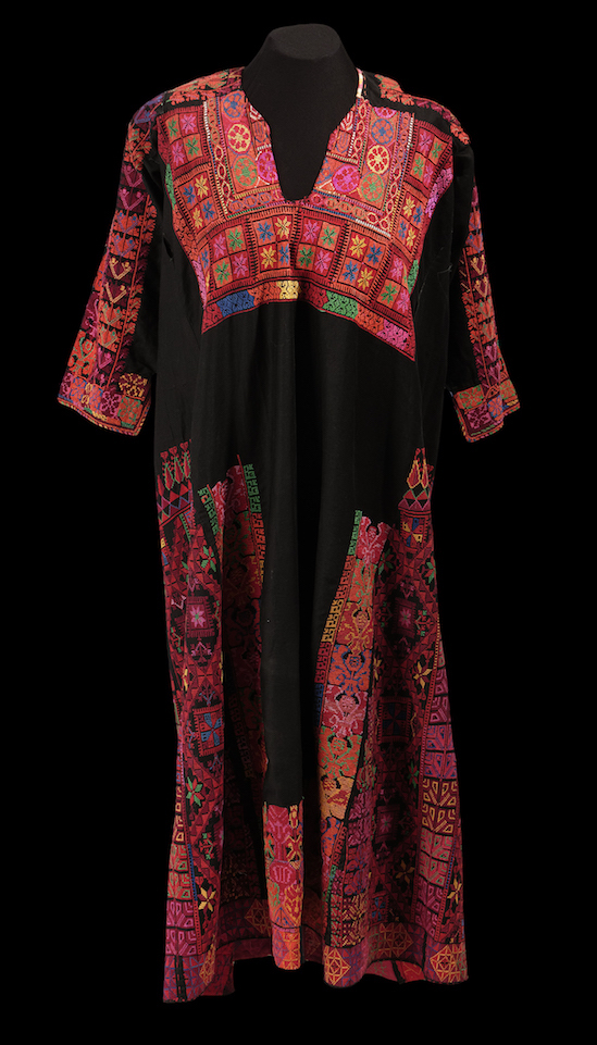 Bedouin woman's dress from the northern Sinai, Egypt (TRC 2013.0297). Click illustration for TRC catalogue entry.