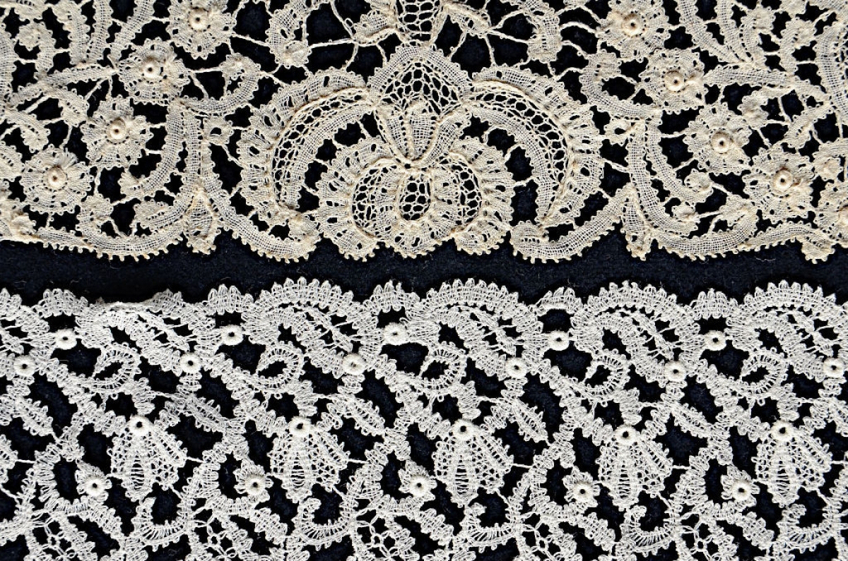 4. Two pieces of airy lace