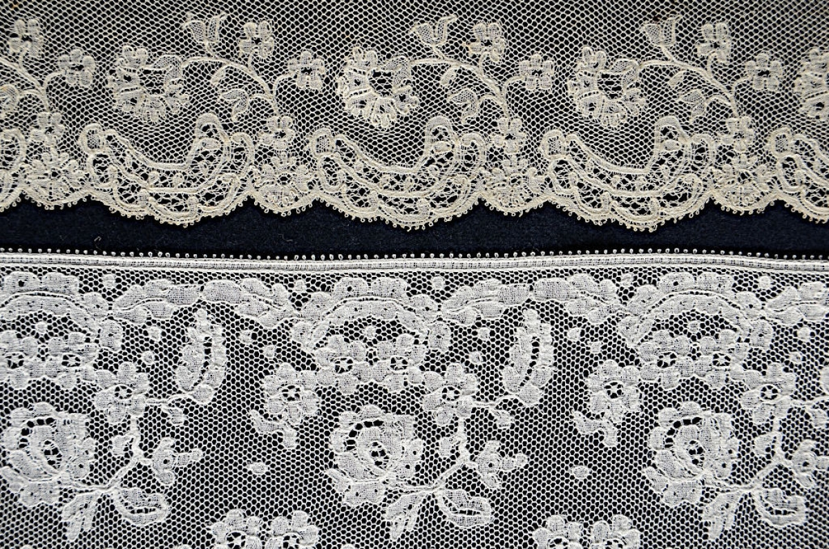 6. Two pieces of straight lace