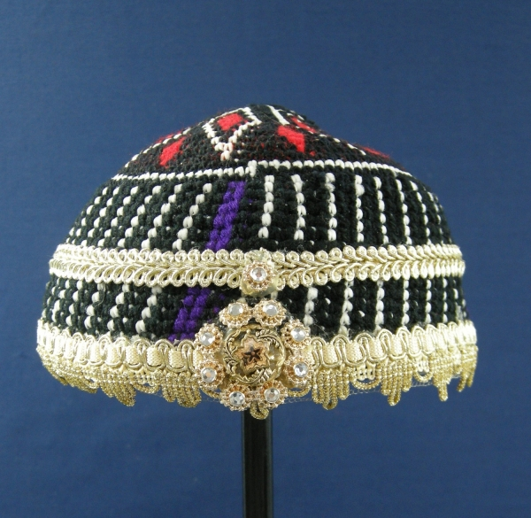 Cap for an unmarried young Kurdish woman from Kermanshah (Iran, late 20th century).
