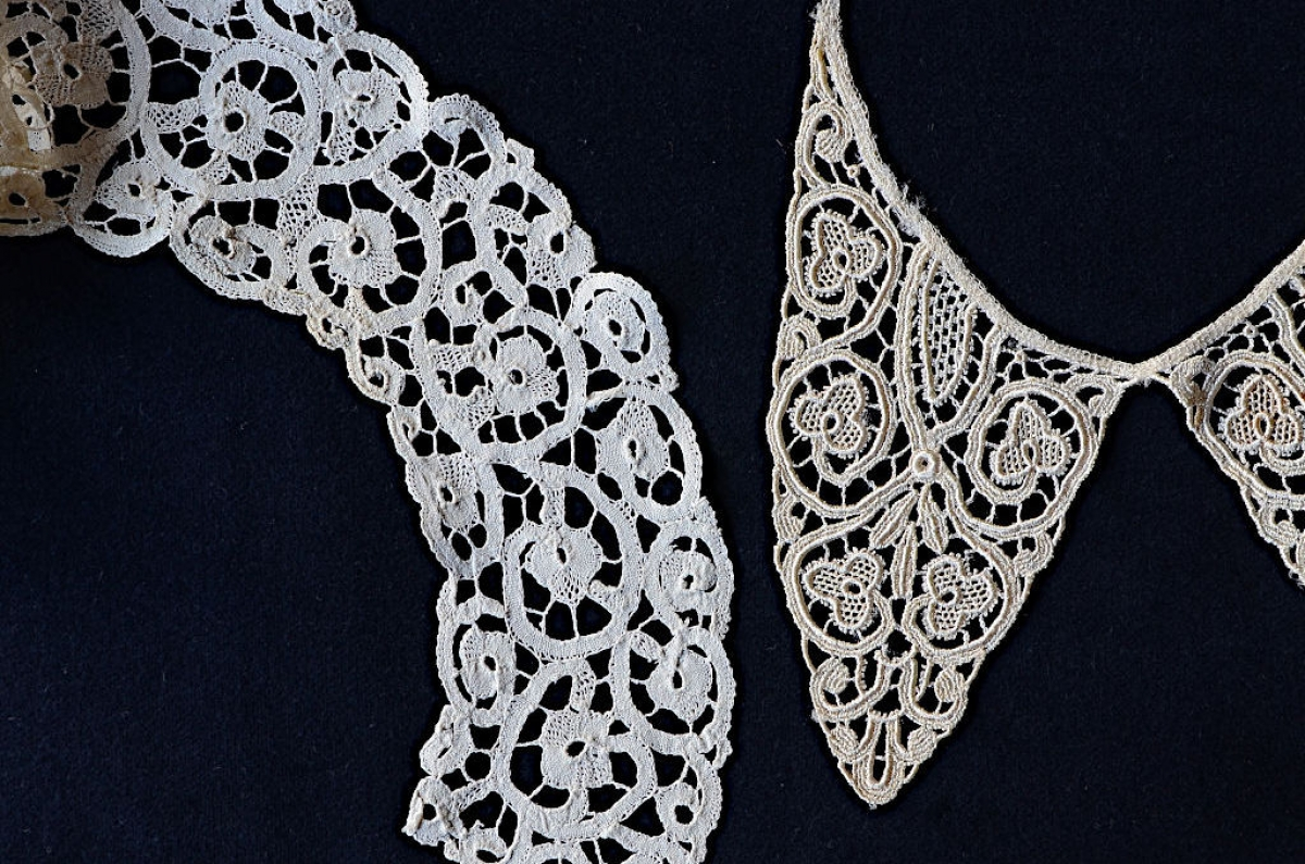 3. Two lace collars