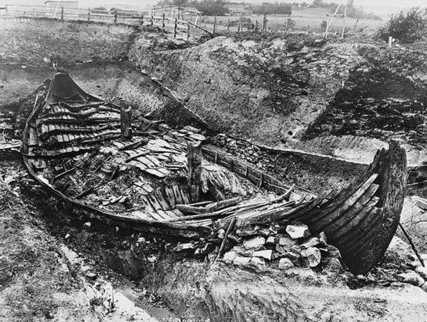 The-excavation-of-the-Oseberg-Ship