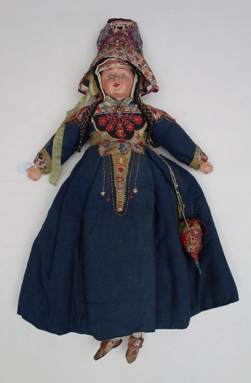 Doll in regional dress, probably mid-19th century, from Scandinavia? (TRC 2019.0196).