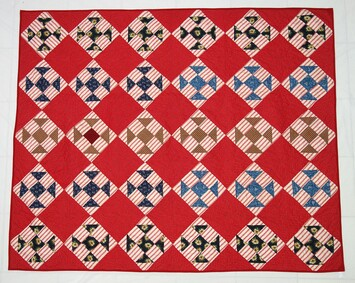 A late 19th century quilt from America. TRC Collection (TRC 2019.2042).