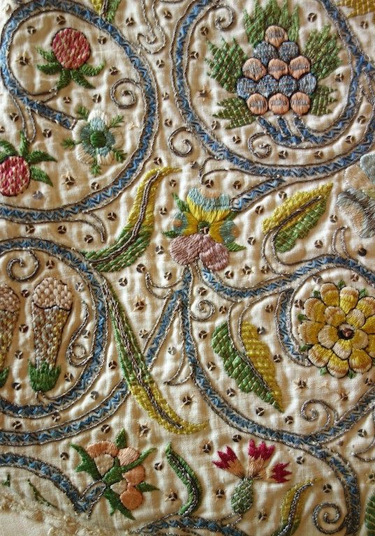 Detail of an Elizabethan (late 16th century) British embroidery (Cotsen collection, Los Angeles).