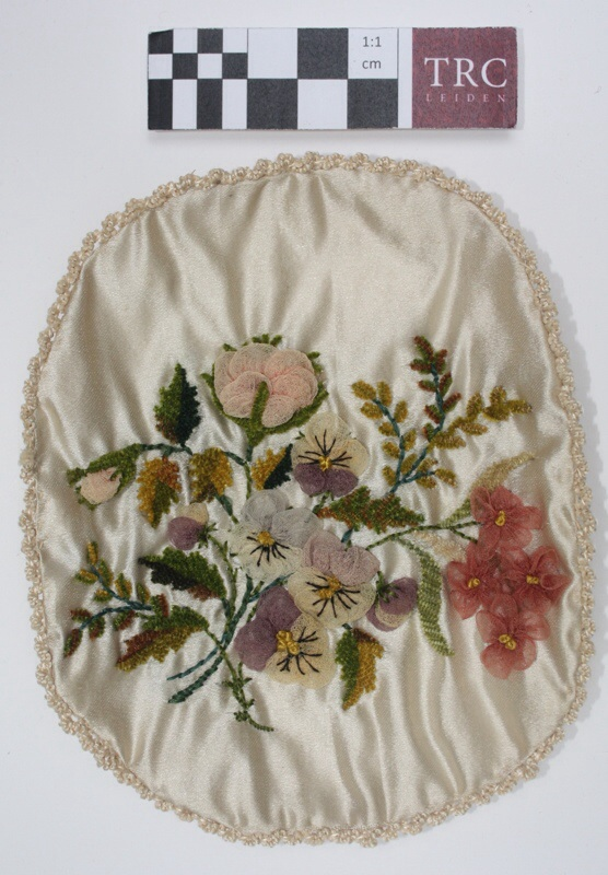 Ring pad, early 19th century silk embroidery, the Netherlands. TRC 2014.1060.a.